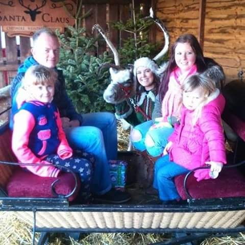 Reindeer and Sleigh family pictures